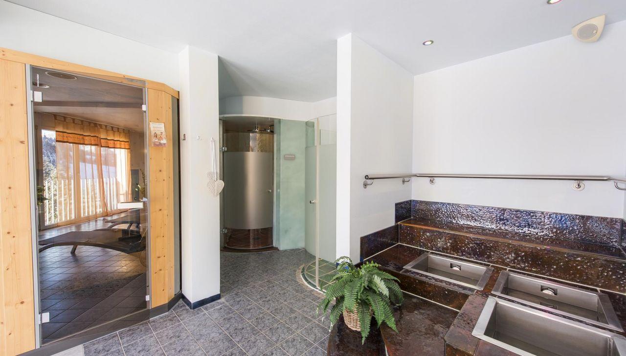Sauna und Wellnessbereich im Hotel Rischli der auch für Gäste ausserhalb des Hotels zu buchen ist.