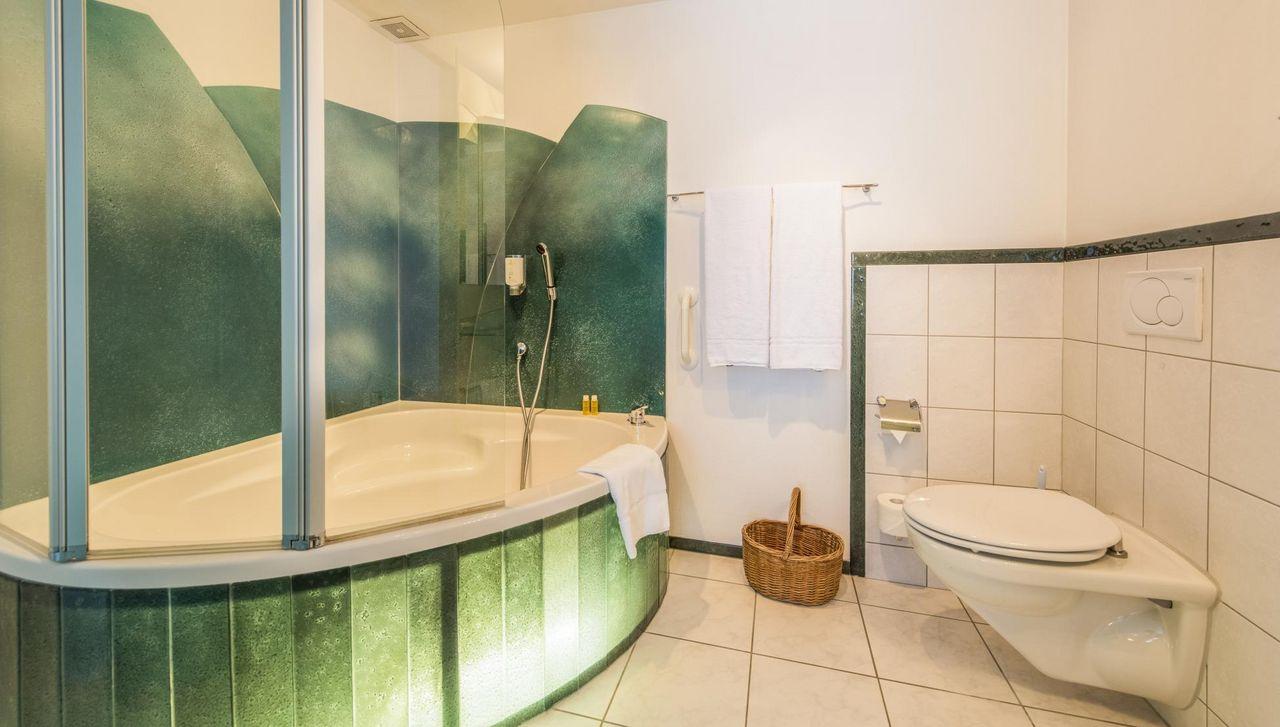 Ein Badezimmer zum Träumen nach einem langen Tag auf den Skiern oder nach einer anstrengenden Wanderung