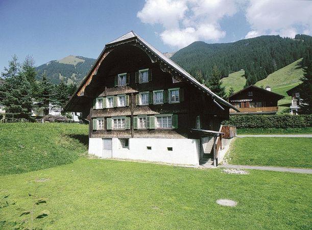 """Gruppenunterkunft """"Skihaus Flüehütten""""/ Emmenegger"""